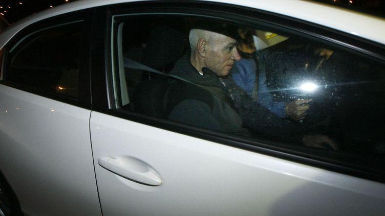 Santiago Arróspide Sarasola, plus connu sous le nom de Santi Potros, lors d'une brève sortie de prison,le 4 décembre 2014 à Villena (Espagne). (MANUEL LORENZO / AFP)