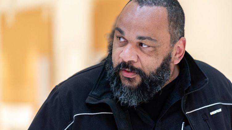 DieudonnéM'bala M'bala, lors de son procès pourabus de biens sociaux et blanchiement, le 3 avril 2019 à Paris. (SAMUEL BOIVIN / NURPHOTO / AFP)