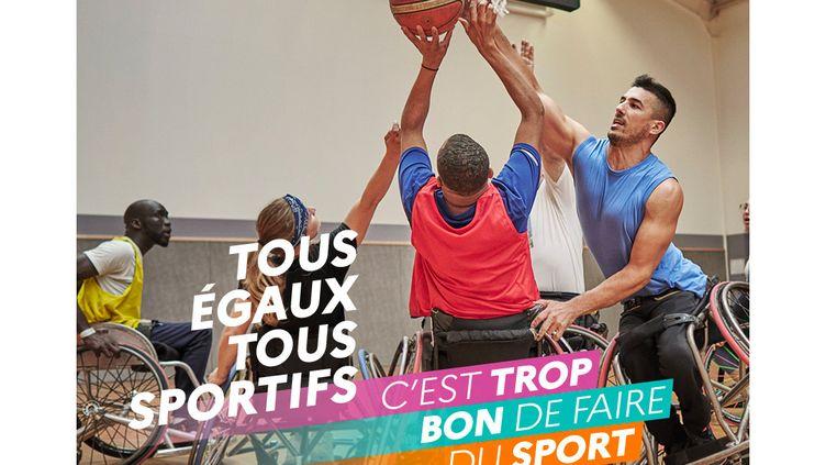 La nouvelle campagne du ministère des sports veut donner envie au plus grand nombre de découvrir de nouvelles activités sportives. (MINISTÈRE DE L'EDUCATION NATIONALE / FRANCETV INFO)