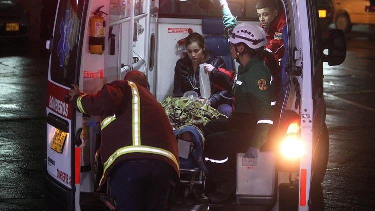 Les urgences de l'hôpital San Juan de Dios s'affairent pour accueillir les blessés du drame aérien (LUIS EDUARDO NORIEGA A./SIPA / EFE)