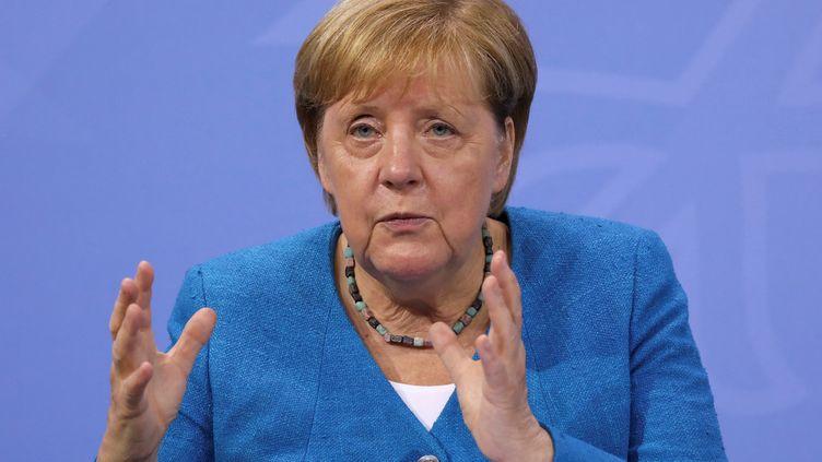 La chancelière allemande Angela Merkel, lors d'une conférence de presse à Berlin (Allemagne), le 10 août 2021. (CHRISTIAN MANG / REUTERS / POOL / AFP)