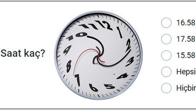 Quelle heure est-il? se demande cette pendule... (DR/Capture d'écran)