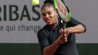 La joueuse de tennis américaine Serena Willimas durant une session d'entraînement à Roland-Garros, le 25 mai 2018. (THOMAS SAMSON / AFP)