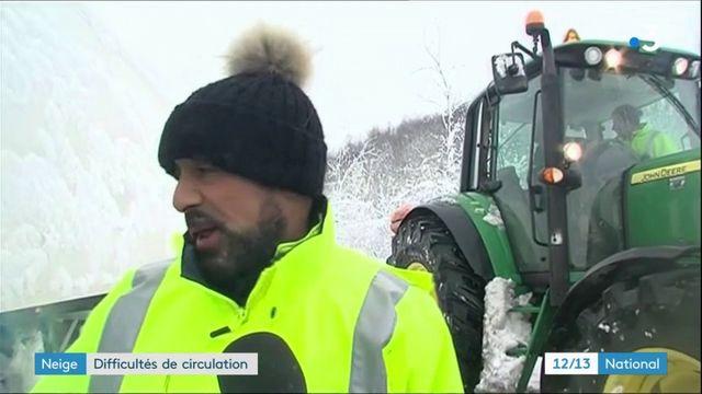 Neige : des automobilistes bloqués toute la nuit entre Lyon et Grenoble