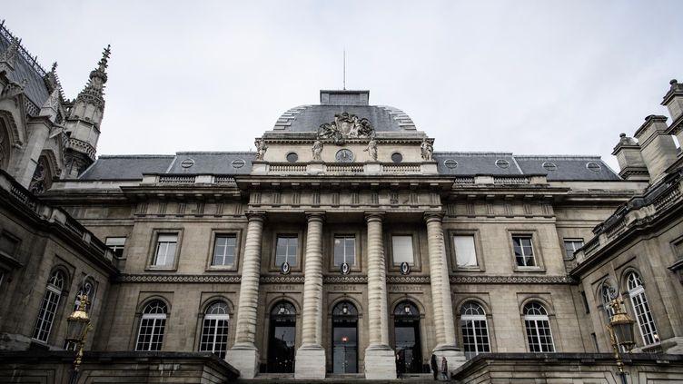 La façade du Palais de justice de Paris, le 24 janvier 2018. (PHILIPPE LOPEZ / AFP)