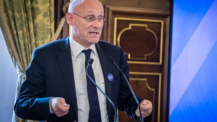 Bernard Laporte lors d'une intervention pour soutenir l'organisation de la coupe du monde 2023, en France.  (CITIZENSIDE/FRANCK CHAPOLARD / CITIZENSIDE)