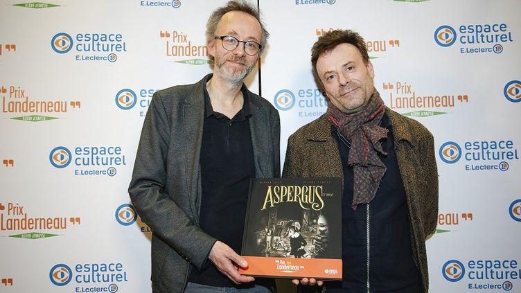 """Pierre Vaquez (à gauche) est l'ilustrateur de l'album """"Aspergus et moi"""", Didier Lévy (à droite) en est l'auteur. Le 13 mars, ils ont remporté le Prix Landerneau de l'album Jeunesse."""
