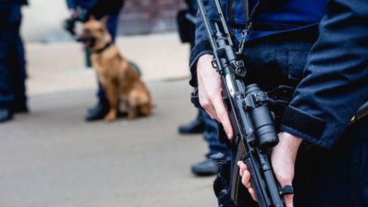 Policier dans les rues de Bruxelles (AURORE BELOT / BELGA / AFP)