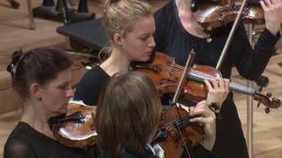 Les violons restaurés par Amnon Weinstein ont résonné à Dresde  (France 2 / culturebox)