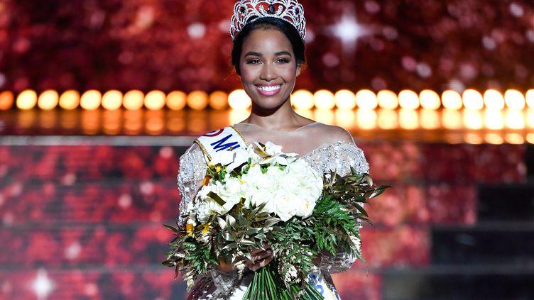 ClémenceBotino, élue Miss France 2020, le 14 décembre 2019 à Marseille. (CHRISTOPHE SIMON / AFP)