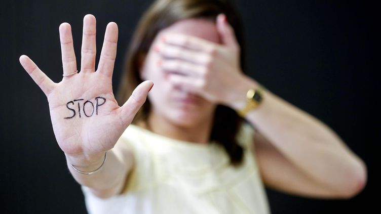 Une femme sur cinq a déjà subi du harcèlement sexuel au travail, selon une enquête du Défenseur des droits menée en 2014. (MAXPPP)