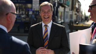 La tête de liste du Brexit Party aux élections européennes, Nigel Farage, le 18 mai 2019 à Pontefract, en Angleterre (Royaume-Uni). (OLI SCARFF / AFP)
