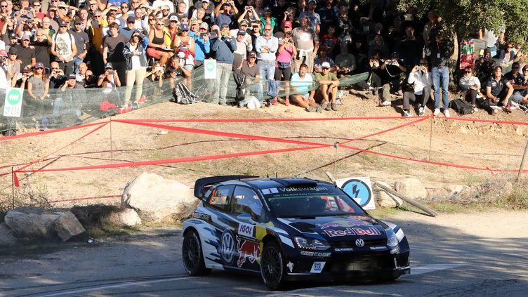 Le pilote français Sébastien Ogier sur les routes du rallye de Corse (PASCAL POCHARD-CASABIANCA / AFP)