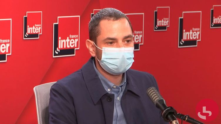 Hugo Lindenberg, dans les studios de France Inter, le 7 juin 2021. (FRANCE INTER / RADIO FRANCE)