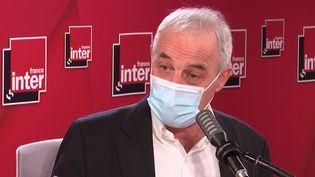 Le Pr Didier Pittet, sur France Inter, le 18 février. (FRANCE INTER / RADIO FRANCE)