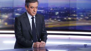 François Fillon sur le plateau du journal de 20h de TF1. (PIERRE CONSTANT / POOL)