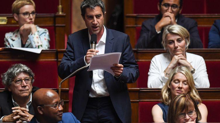 Le député de la France insoumise François Ruffin lors des questions au gouvernement,à l'Assemblée, le 19 juin 2018. (CHRISTOPHE ARCHAMBAULT / AFP)