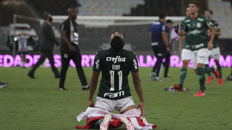 Rony célèbre la victoire de Palmeiras en Copa Libertadores. (RICARDO MORAES / POOL)