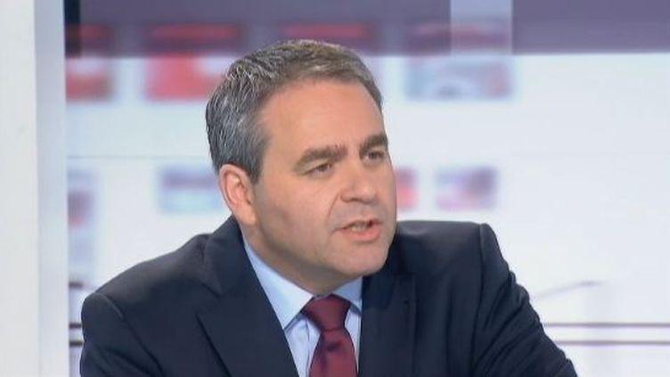 Xavier Bertrand, le ministre du Travail, le 7 mai 2012 sur France 2. (FTVI / FRANCE 2)