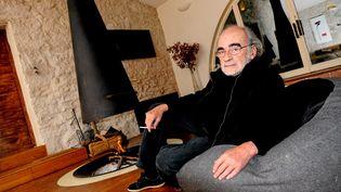 Dominique Imbert créateur des cheminees, à Viols-le-Fort (Hérault), 7 novembre 2011 (SYLVIE CAMBON / MAXPPP)