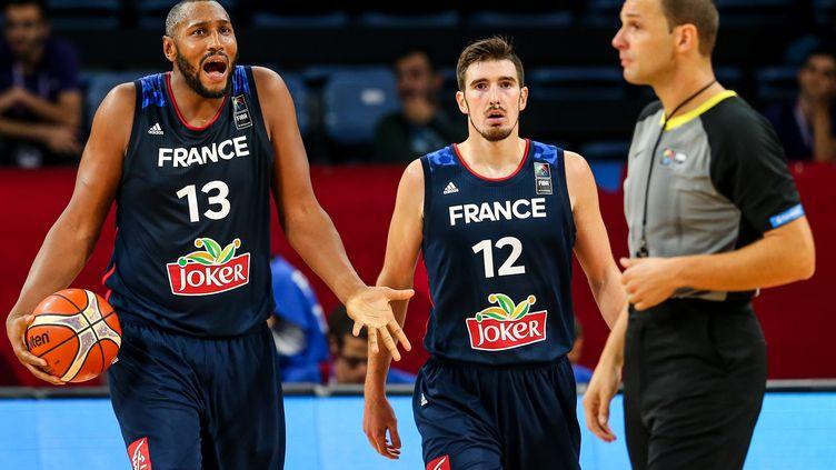 L'équipe de France de basket, éliminée en 1/8e de finale de l'Euro.  (SALIH ZEKI FAZLIOGLU / ANADOLU AGENCY)