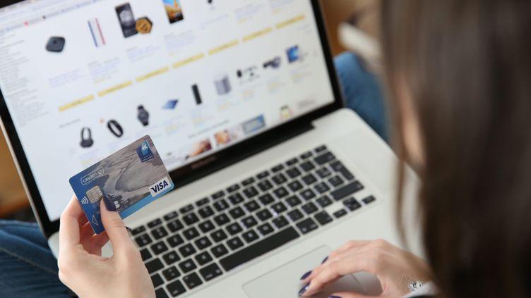 Six grands sites français de commerce en ligne lancent, vendredi 27 avril, un Black Friday de printemps. (MAXPPP)