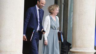 Le Premier ministre Edouard Philippe et la ministre du Travail Muriel Pénicaud, à la sortie de l'Elysée, le 30 août 2017, à Paris. (MAXPPP)