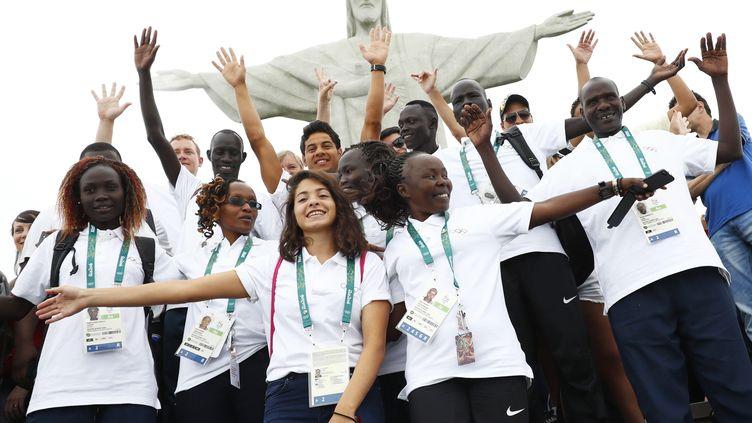 Les 10 athlètes de l'équipe olympique des réfugiés, à Rio. (? KAI PFAFFENBACH / REUTERS / X00446)