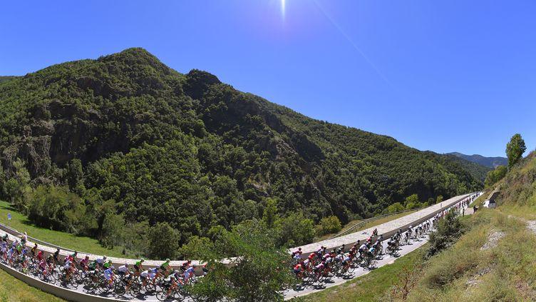 Le peloton de la 72e édition du Tour d'Espagne. (DE WAELE TIM / TDWSPORT SARL)