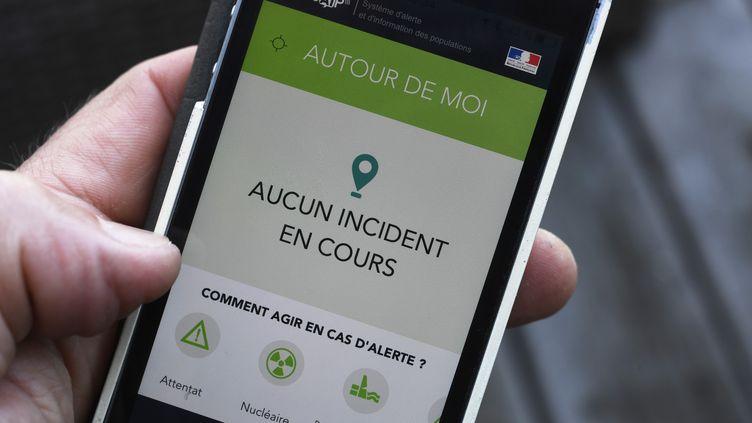 """L'application SAIP""""Système d'Alerte et d'Information des Populations"""" a été lancée par le gouvernement en juin 2016. (DAMIEN MEYER / AFP)"""
