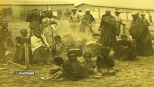 Un groupe familial héréro emprisonné par les Allemands en Namibie pendant la répression de la rébellion entre 1904 et 1907 (DR (capture d'écran du sujet d'AITV du 10-10-2013))