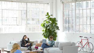 Un espace de coworkins chez un particulier. (Desk.communauty)