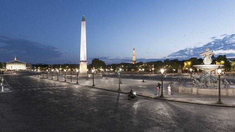 La place de la Concorde, à Paris, le 22 avril 2020. (VINCENT CURUTCHET / DARK FRAME / AFP)
