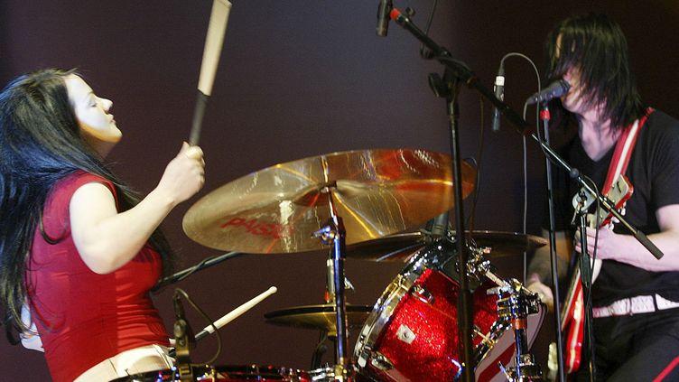 "Meg and Jack White du groupe ""The White Stripes"" en novembre 2003, Toronto  (David Lucas / QMI Agency / AFP)"