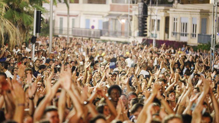 Lors du concert du DJ français The Avener à Nice(Alpes-Maritimes), le 11 juillet 2020. (DYLAN MEIFFRET / MAXPPP)
