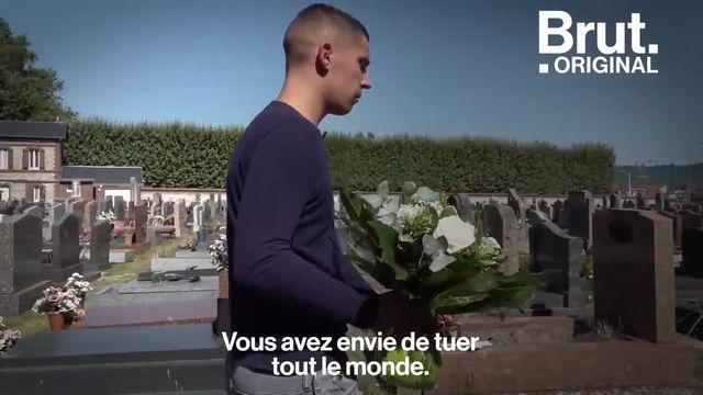 Sa mère a été tuée par son ex-compagnon lorsqu'il avait 14 ans. Aujourd'hui, Antoine a 22 ans et il milite pour que chaque enfant bénéficie d'un suivi psychologique et financier suite à un féminicide.