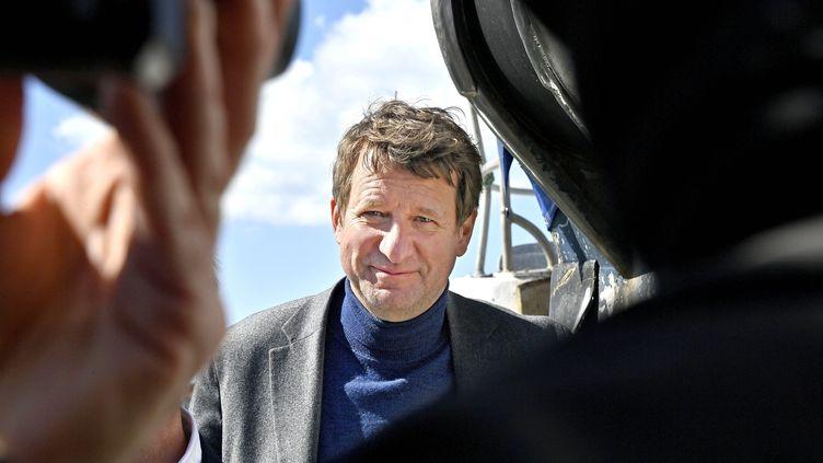 Yannick Jadot, député européen EELV, en déplacement aux Sables d'Olonne (Vendée) le 24 mars 2021 (JEROME FOUQUET / MAXPPP)