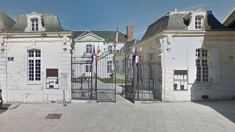 L'hôtel de ville deVillers-Cotterêts (Aisne). (GOOGLE STREET VIEW / FRANCETV INFO)