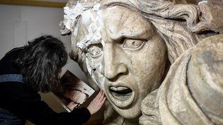 Le Génie de la Patrie en cours de restauration  (STEPHANE DE SAKUTIN / AFP)