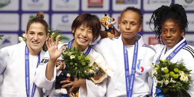 Amandine Buchard et les autres médaillées des -48kg aux Mondiaux-2014