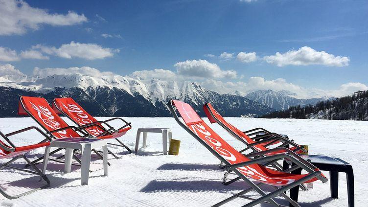 La station deSerre Chevalier, dans les Hautes-Alpes, le 27 novembre 2020. (CEDRIC MERAVILLES / MAXPPP)