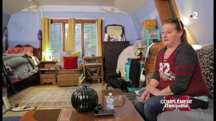 Cette Américaine s'est fait retirer les seins et l'utérus après un test génétique... aux résultats erronés (COMPLÉMENT D'ENQUÊTE/FRANCE 2)