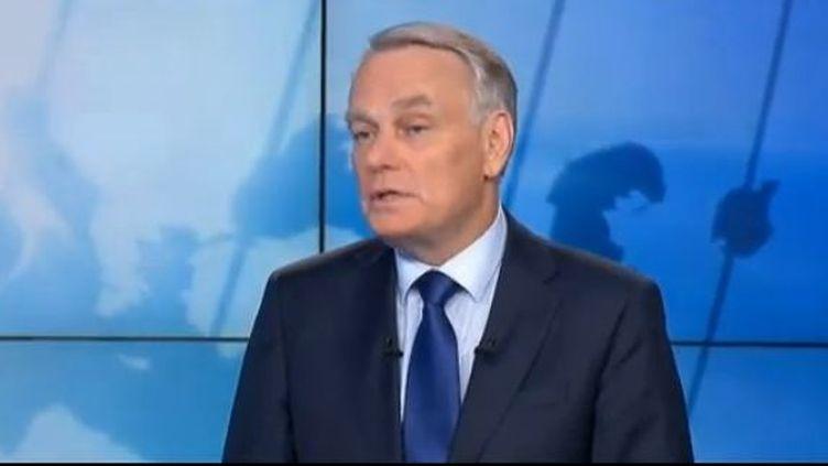 Le Premier ministre Jean-Marc Ayrault était l'invité mardi 10 juillet 2012 AU 19/20 de France 3. Il est revenu sur la polémique autour du prix du gaz; (CAPTURE D'ÉCRAN / FRANCE 3)