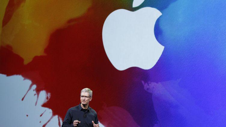 Tim Cook, directeur général d'Apple, le 7 mars 2012 à San Francisco, en Californie (Etats-Unis). (ROBERT GALBRAITH / REUTERS)