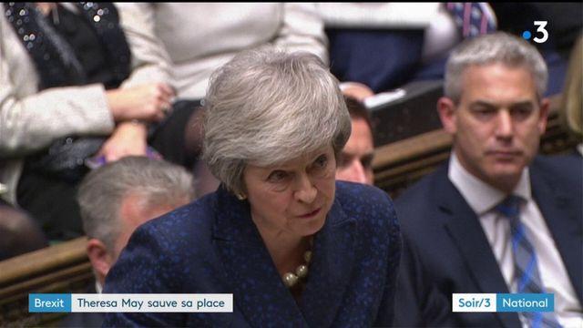 Brexit : Theresa May reste en place, mais partira en 2022