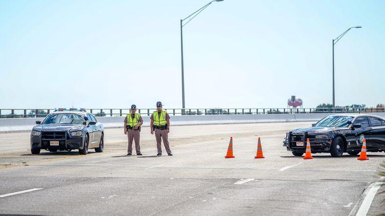 Les accès à la base militaire de Pensacola en Floride (Etats-Unis) était fermés, vendredi 6 décembre, après la fusillade qui a fait trois morts. (JOSH BRASTED / GETTY IMAGES NORTH AMERICA / AFP)
