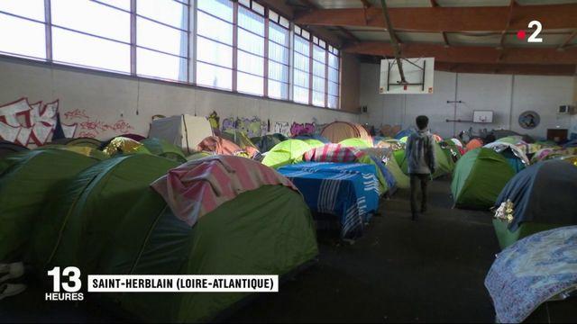 Loire-Atlantique : 200 migrants entassés dans un gymnase menacés d'expulsion