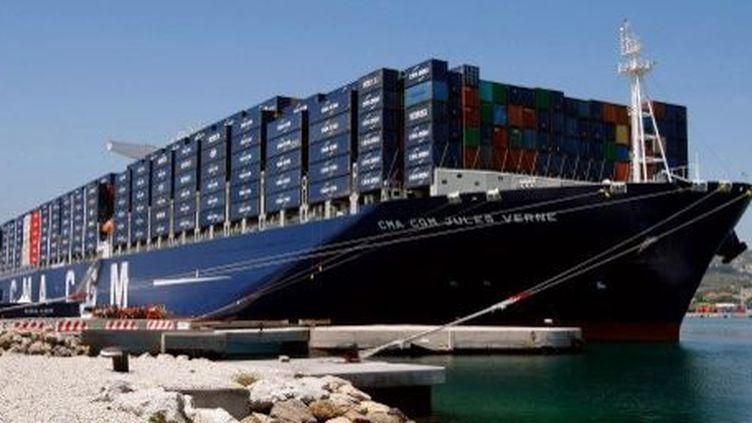 Le porte-conteneurs «Jules Verne» de la compagnie CMA CGM. (CLAUDE PARIS / POOL / AFP)