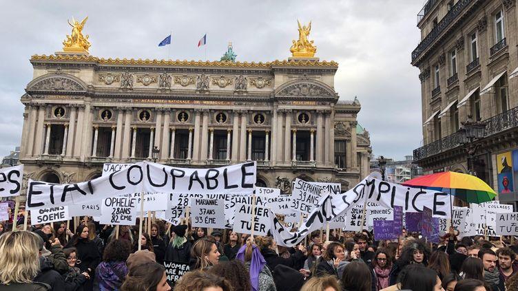 La marche contre les violences sexistes et sexuelles s'élance de la place de l'Opéra, le 23 novembre 2019, à Paris. (VALENTINE PASQUESOONE)