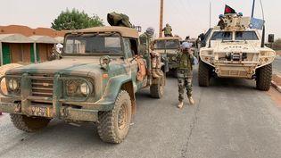 Le convoi de l'armé malienne au départ de Gao encadré par les Casques bleus de la Minusma, le 10 février 2020. (Yaya Sangare/ Ministère de la Communication du Mali)
